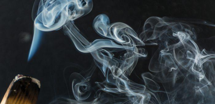 dym oczyszczający aurę